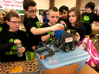 Doe Creek Middle School hosts robotics contest
